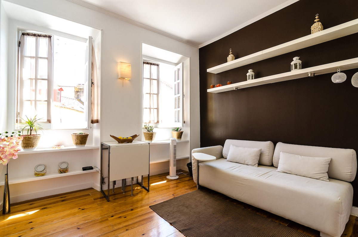 Bright & cozy apartment in Alfama.