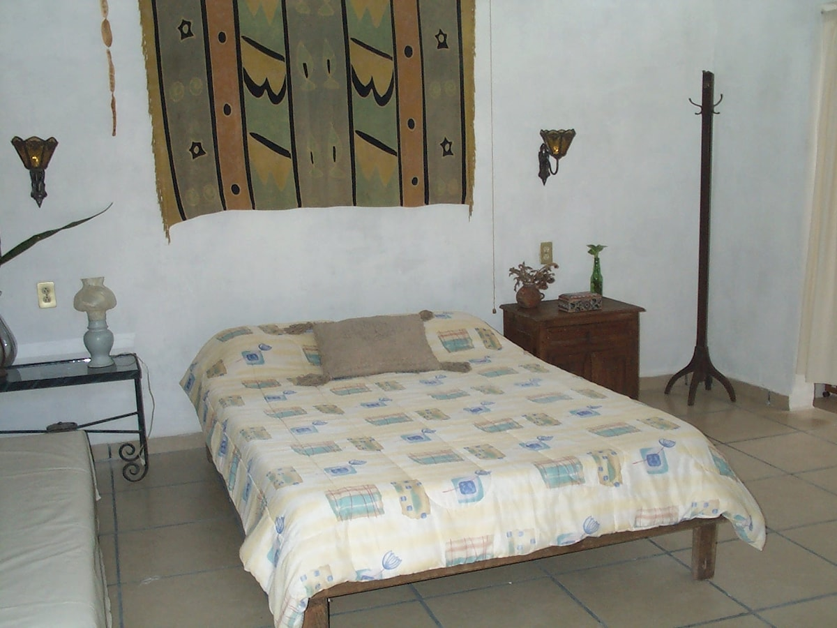 Casitas Kinsol Guesthouse in Puerto Morelos - near Cancun - Room #5 - A full size bed -