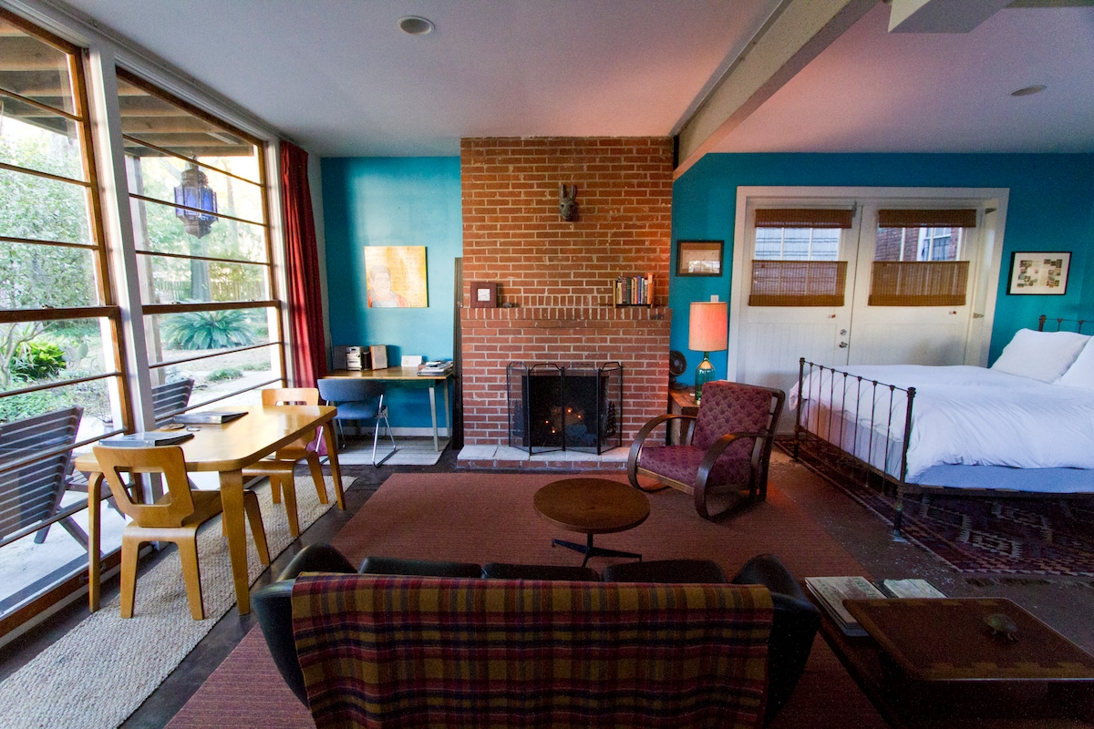 Carriage House - Cabin Apartment