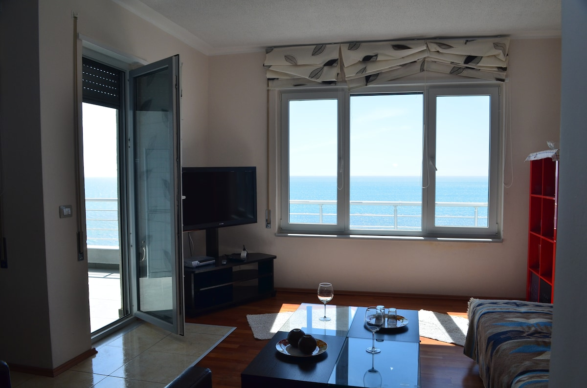 180° Seaview Flat in Durres - 72