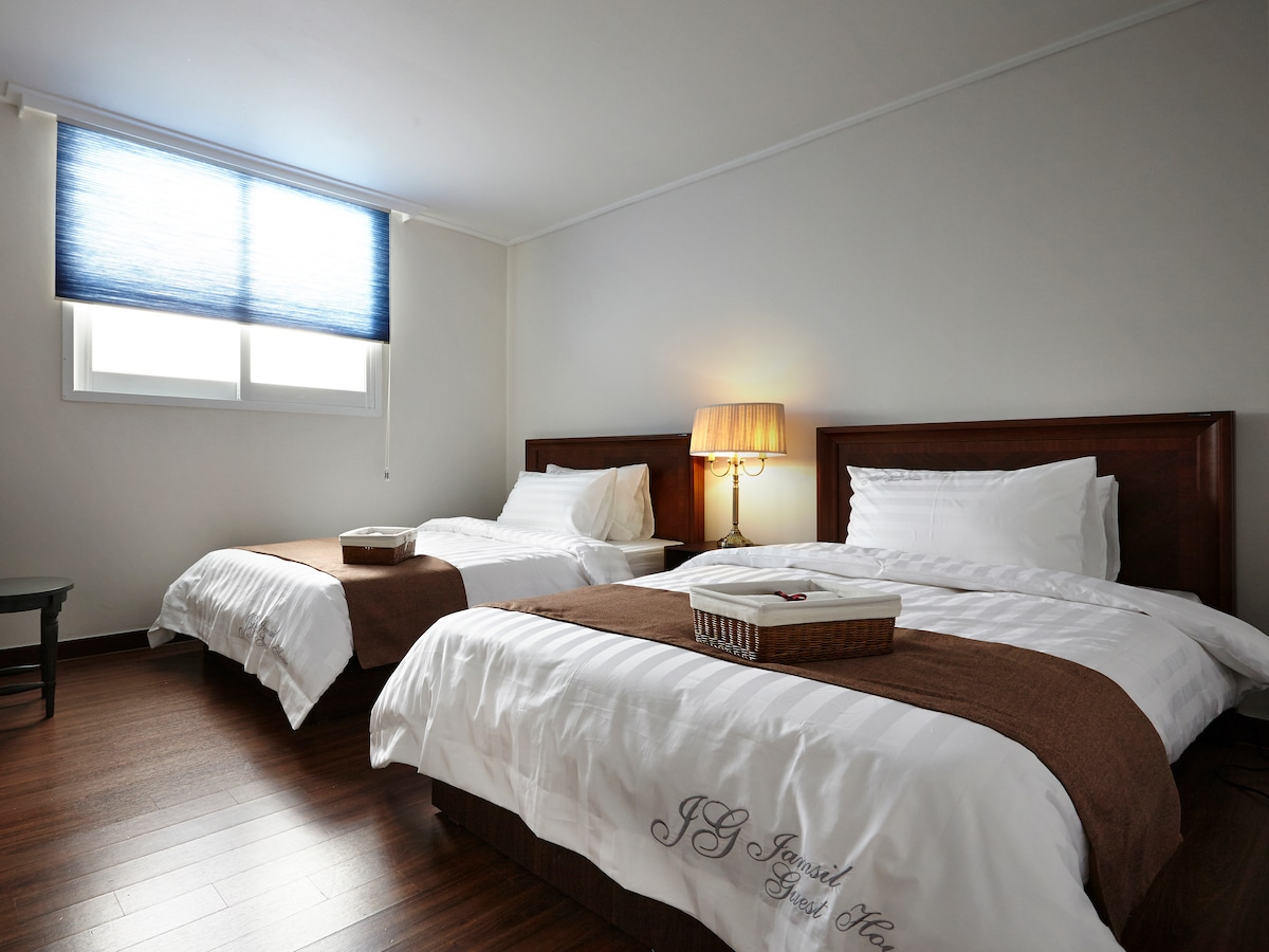 Jamsil guesthouse - for women