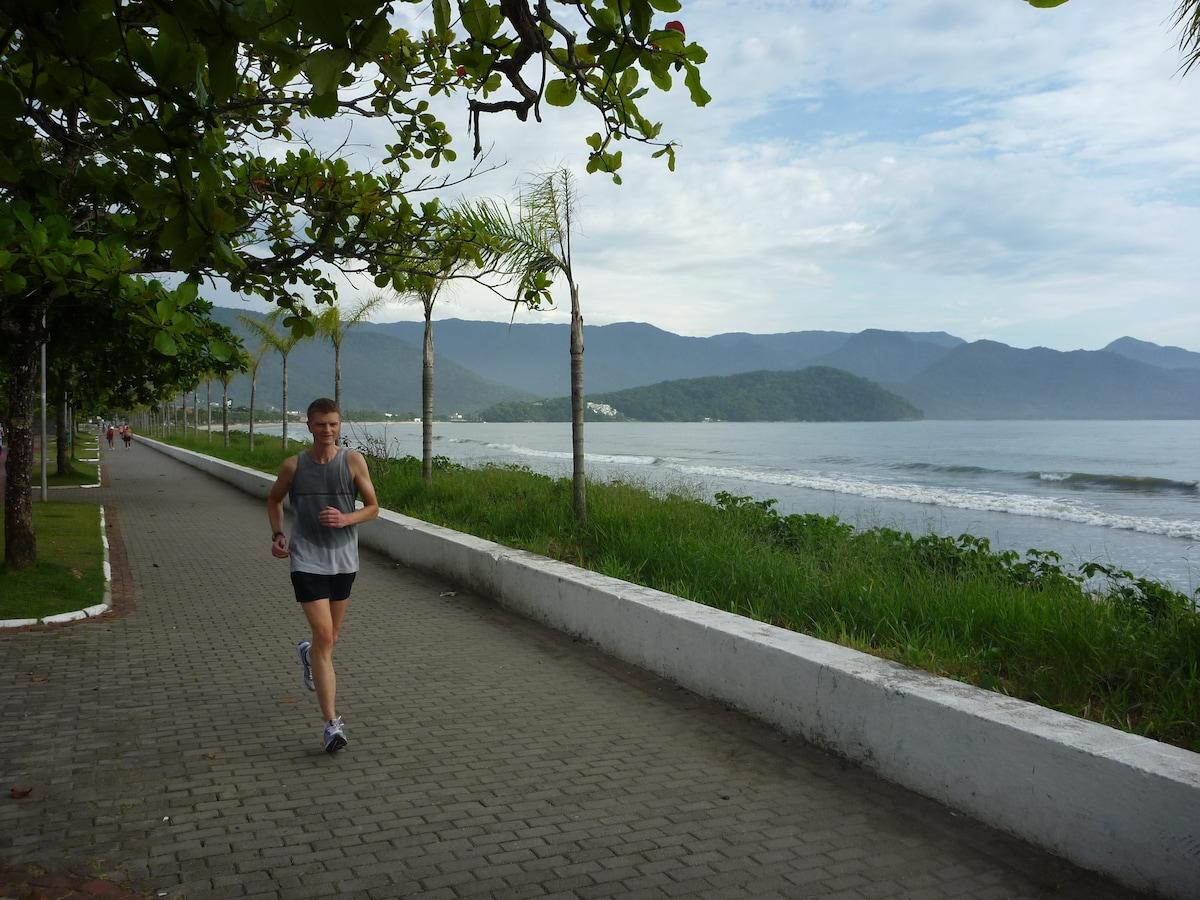 Early morning jog in Ubatuba center.