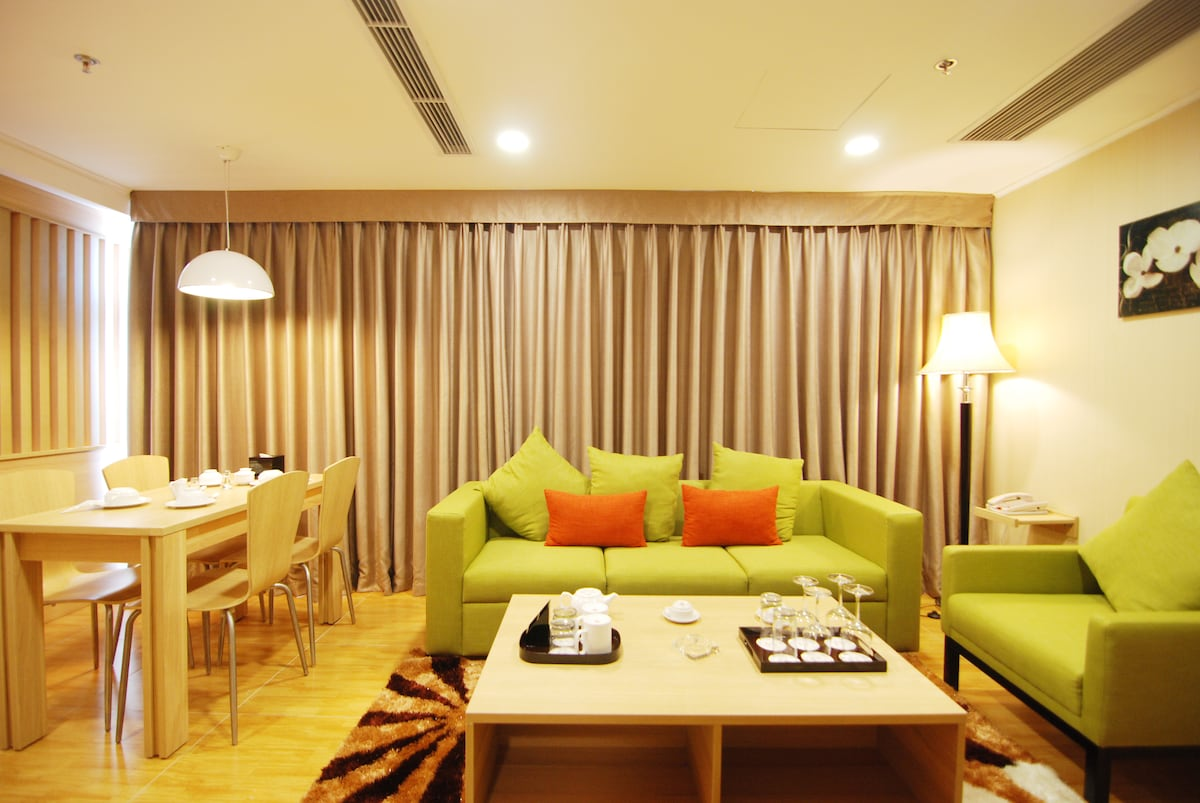 5 stars serviced apartment for rent