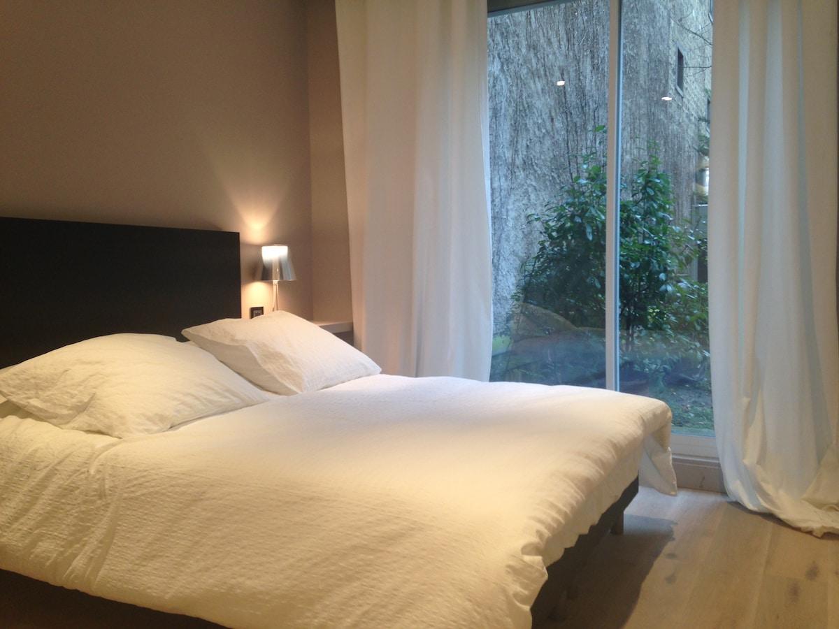 Paris 16, Luxurious private flat