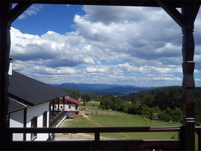 Mountain horse farm Apt. Great view
