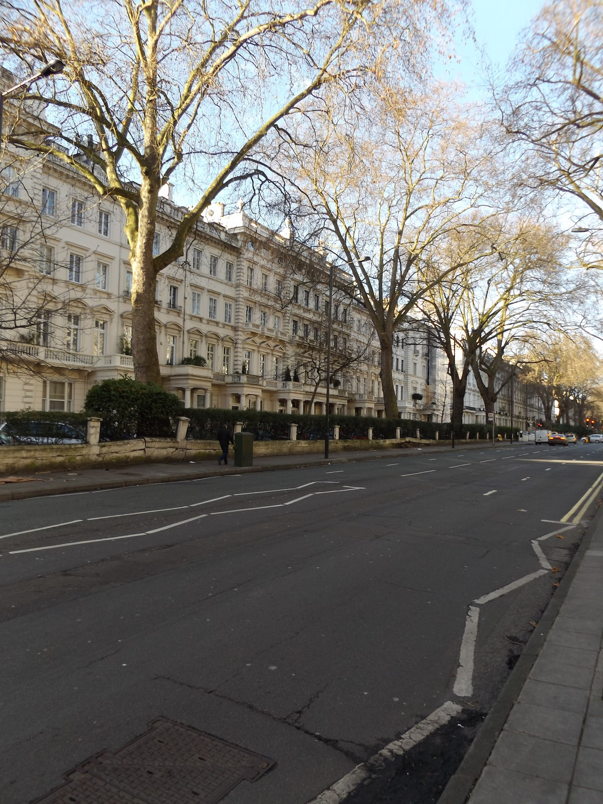 Large apartment close to Hyde Park