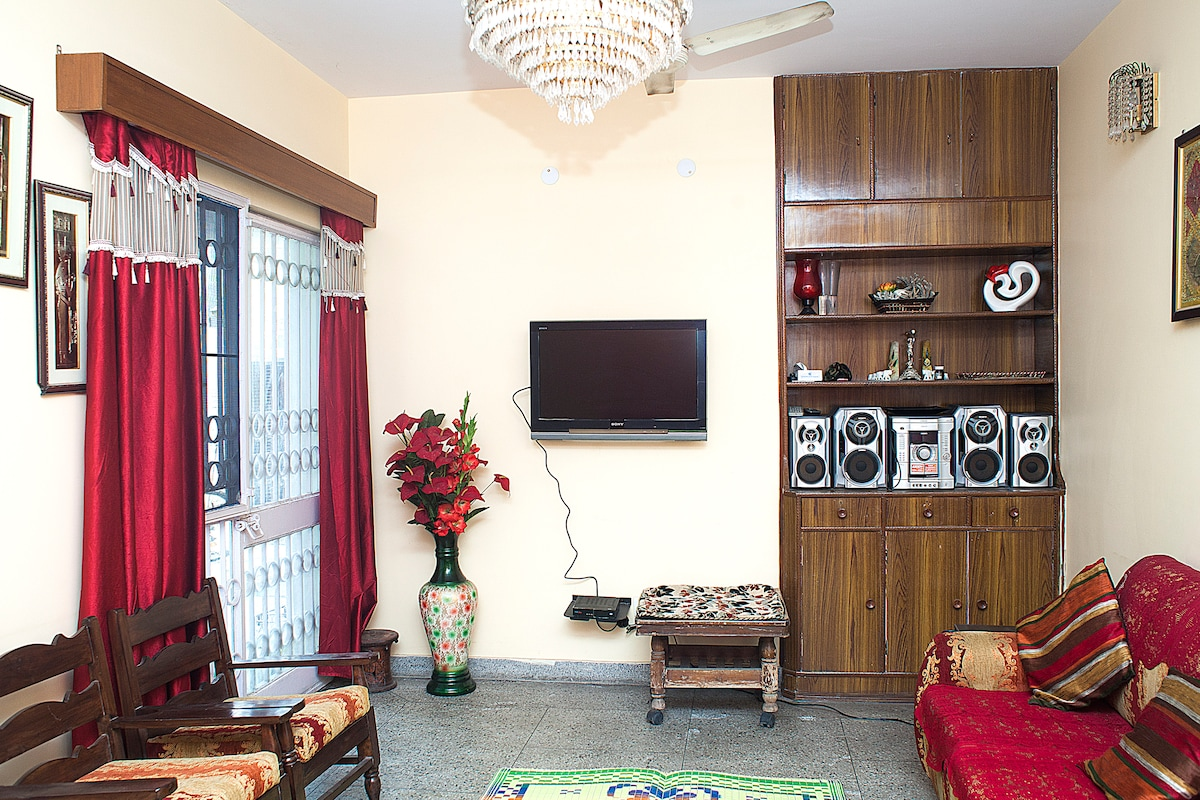 1 Bedroom with Living, Dining Space