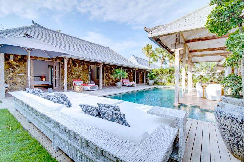 Stunning villa  4bd Seminyak
