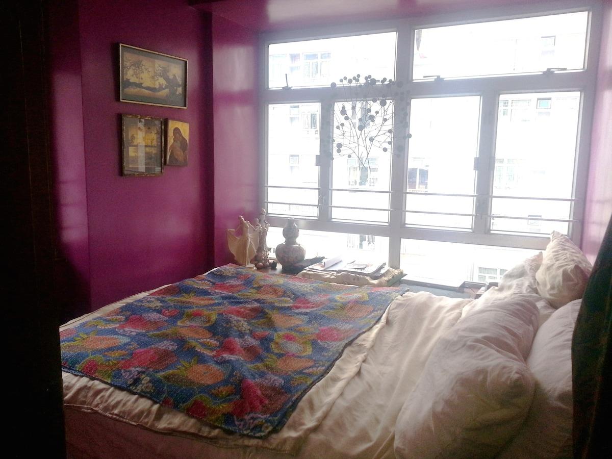 Gorgeous 1 bed in Sai Ying Pun