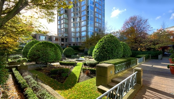 Cabridge Gardens is nestled in the lofty Fairview area in Vancouver