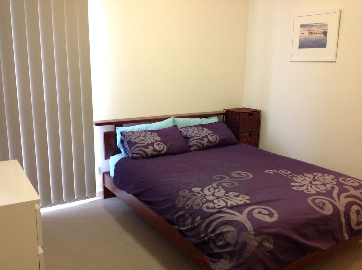 Coburg two bedroom with carpark