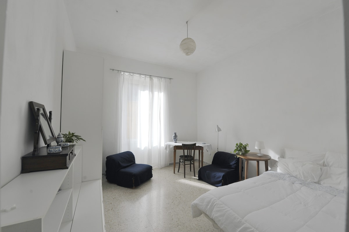 Spacious and bright room (NEW)