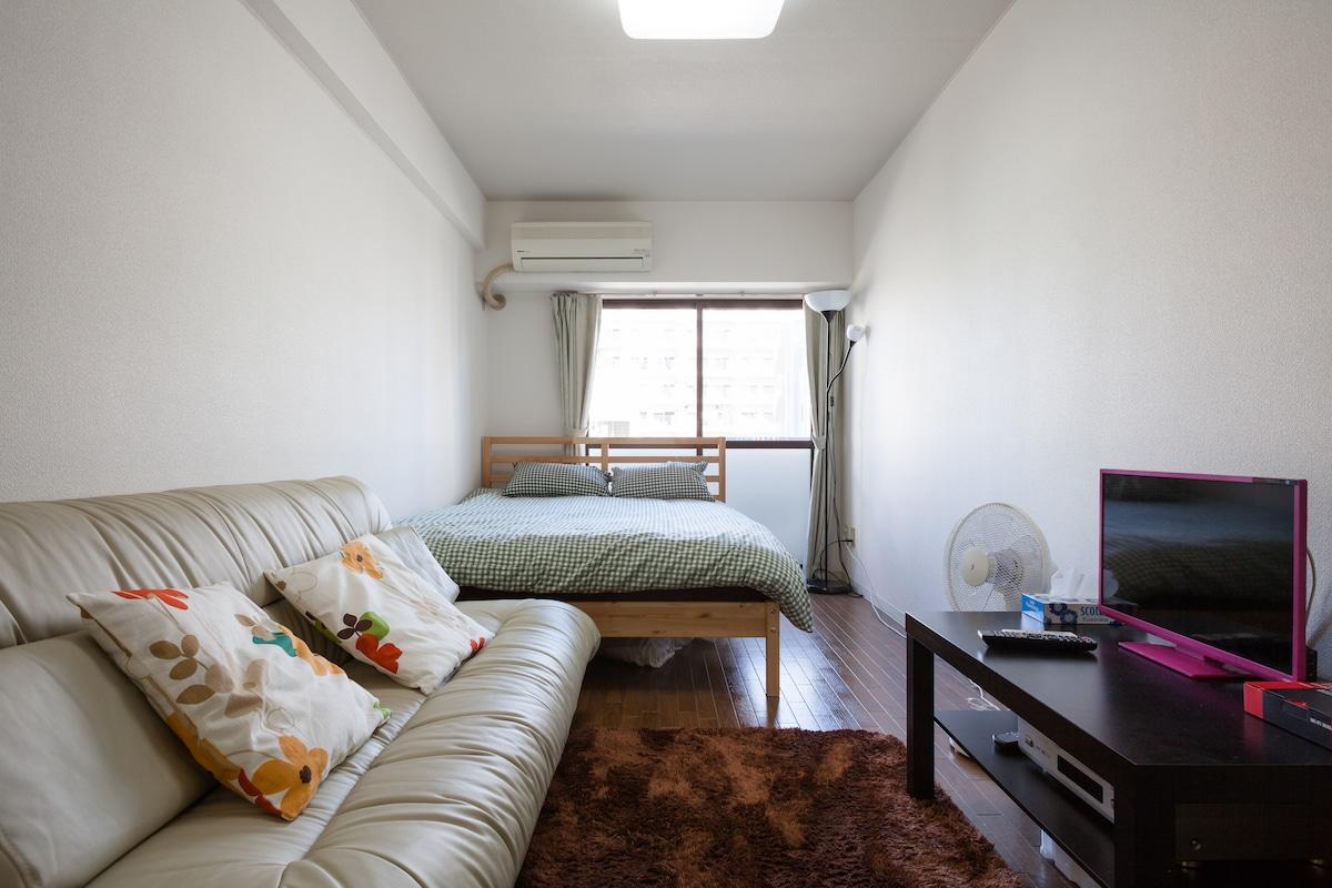 Clean & cozy in trendy Naka Meguro