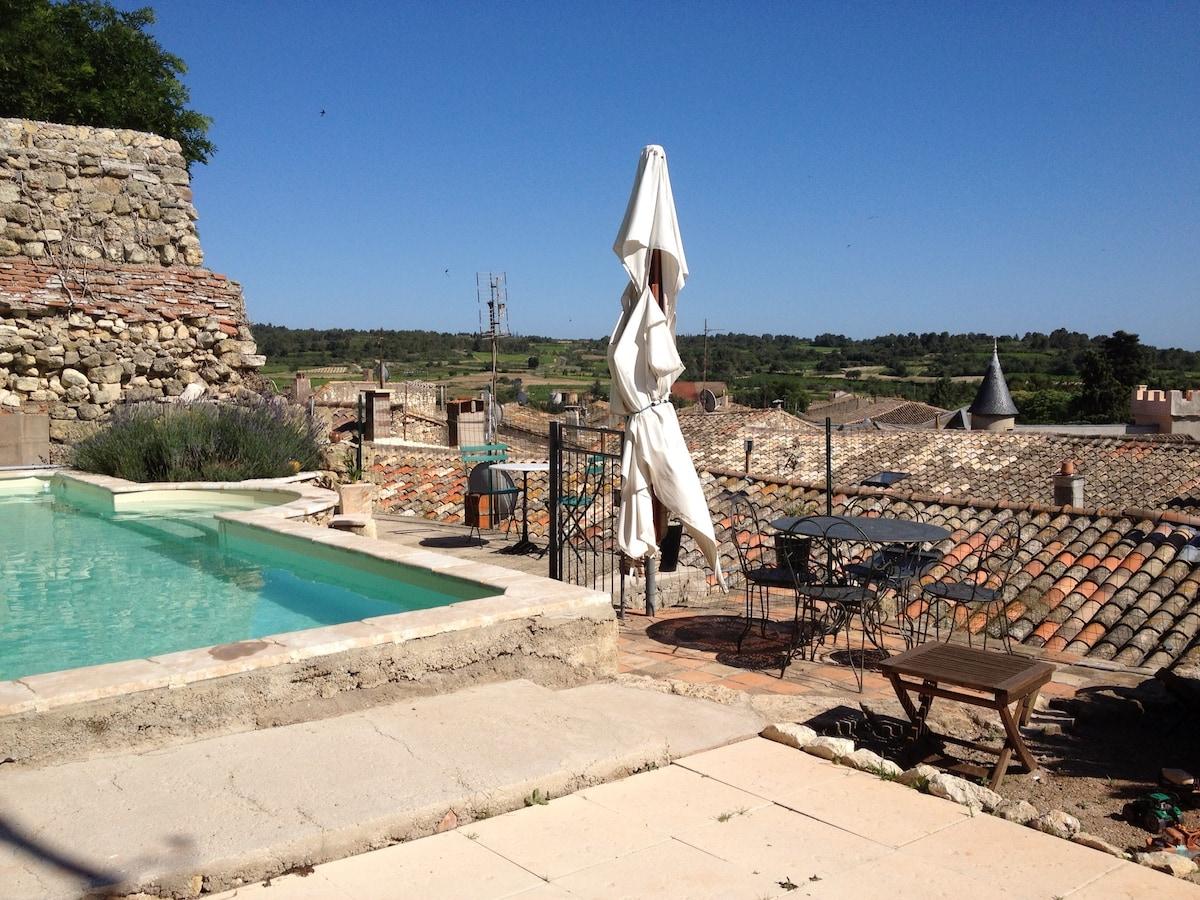 Maison de village avec piscine