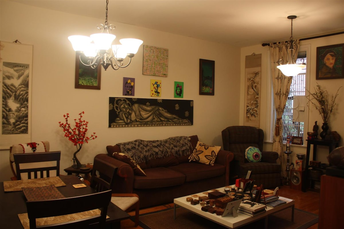 Large, beautiful, furnished 1 bed