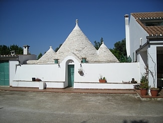 Trullo and Villa Lavanda,  Ceglie