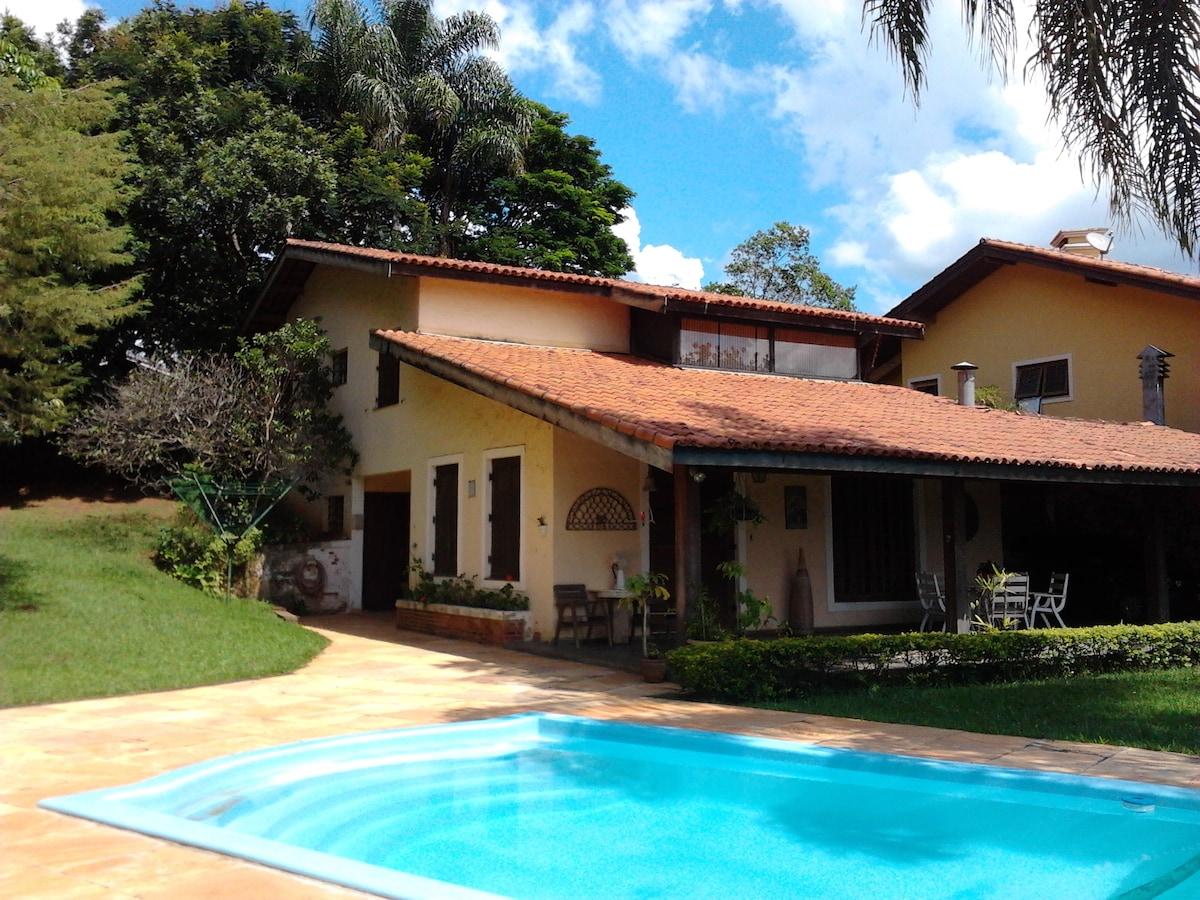 Linda Casa em Atibaia