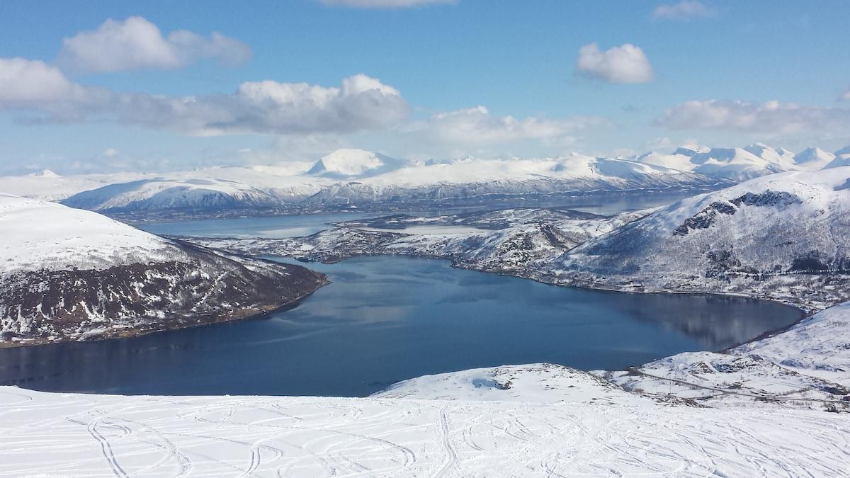 Winter view from Buren towards Tromsø.