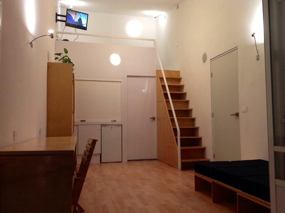 STUDIO E adaptable mini-loft