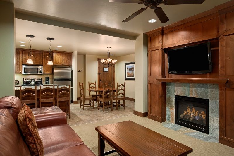 Luxury Ski-In Ski-out Condo 2BD/2BA