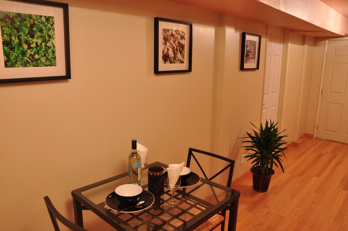 Kitchen view 4 - Dining area