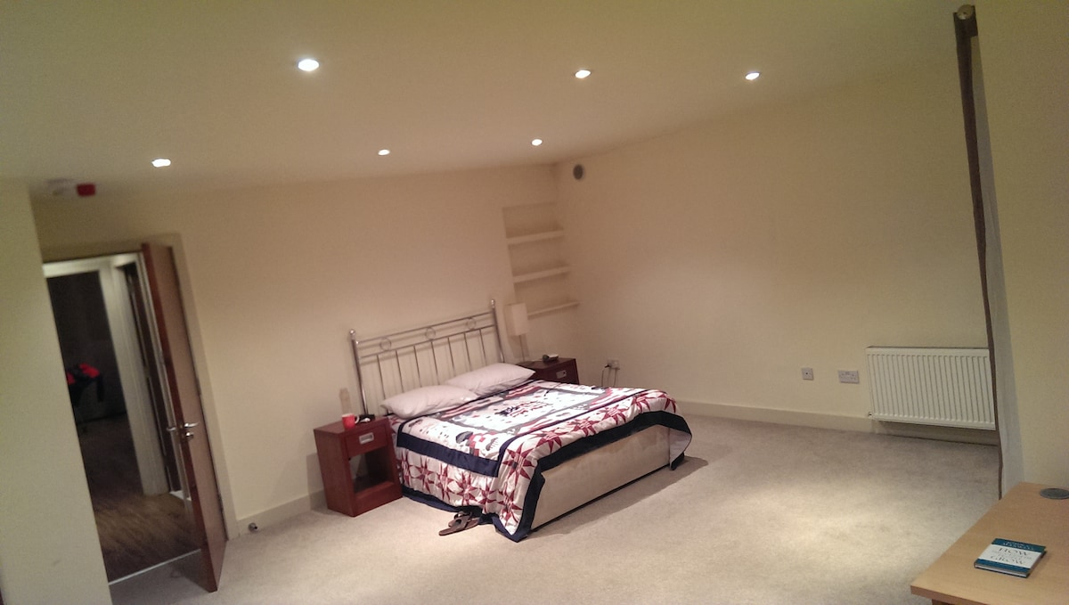 Fantastic & spacious in the centre!