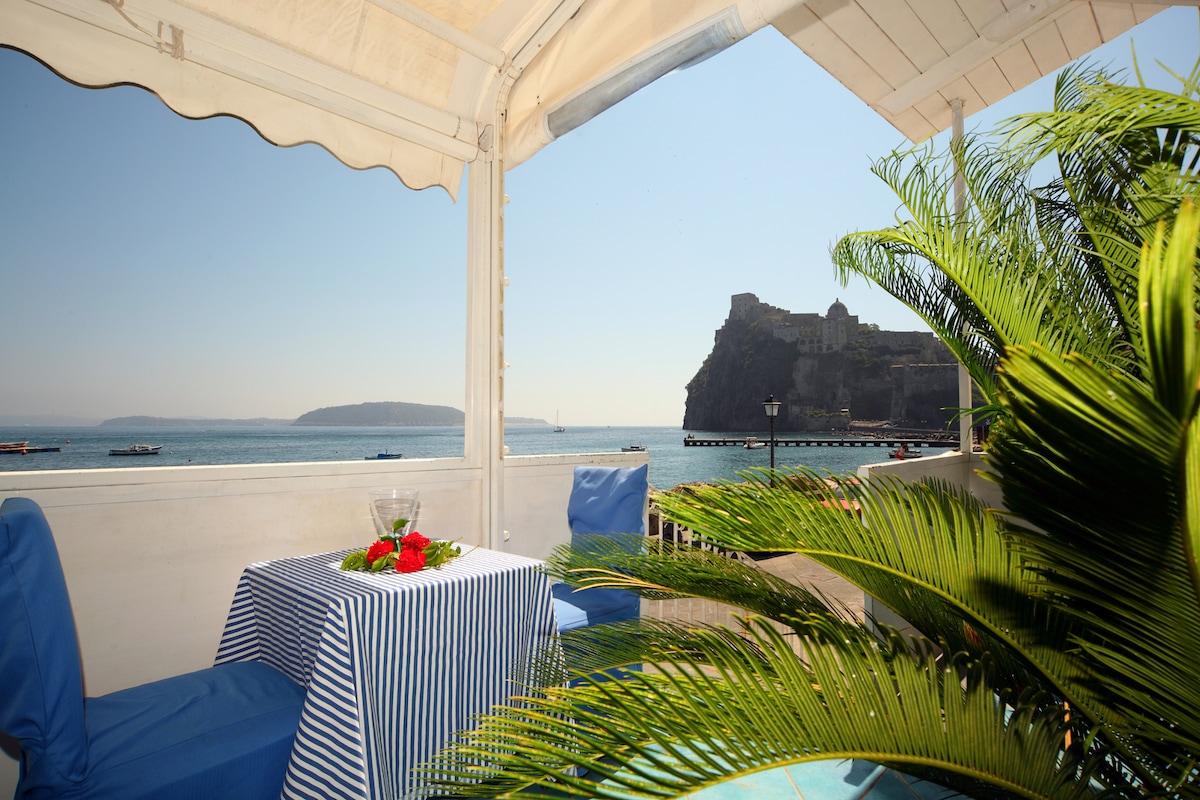 Appartamento sul mare a Ischia