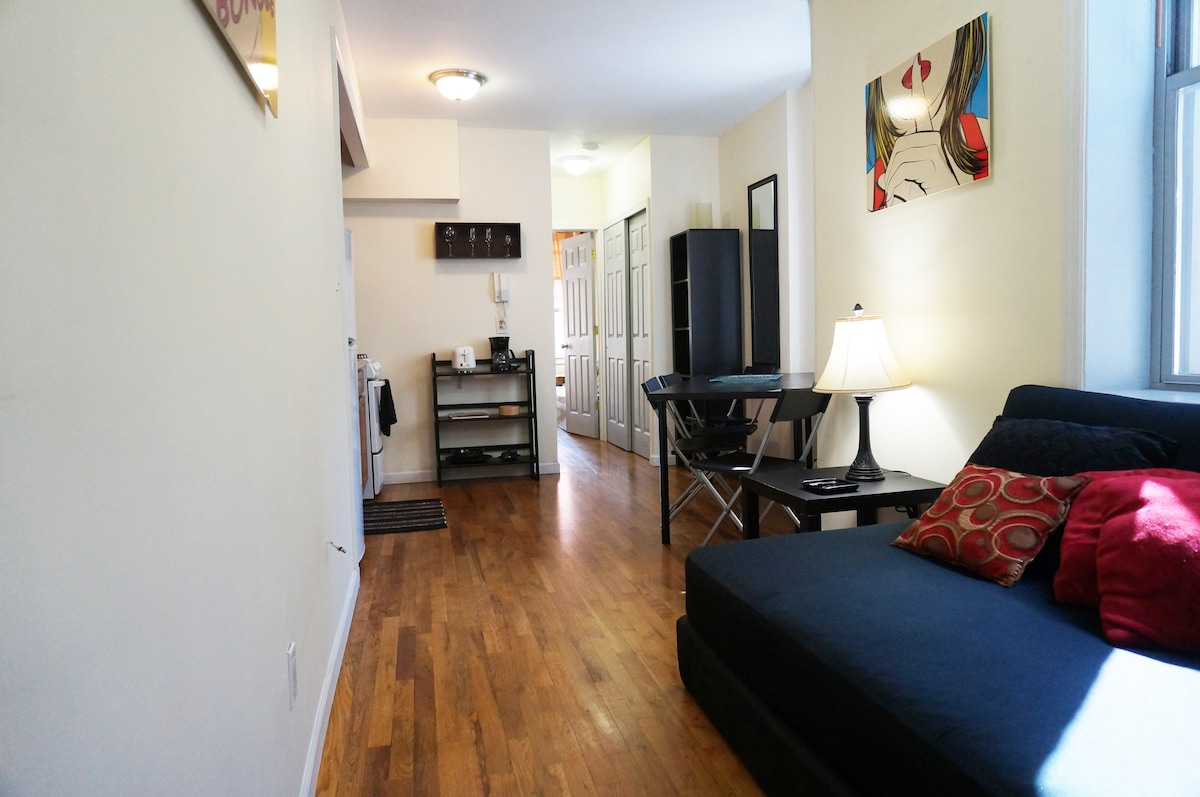 Cozy and comfortable apart. NYC