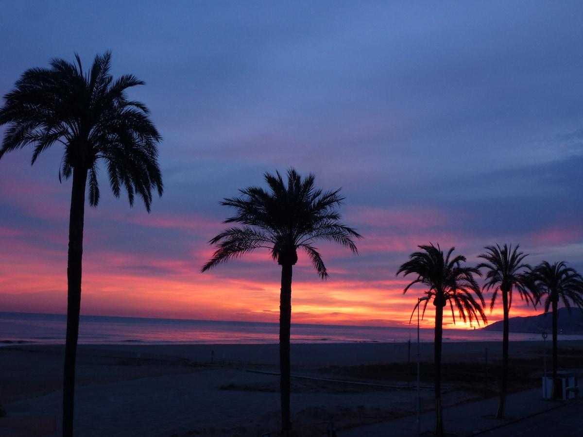 Beach front apt BCN (Castelldefels)