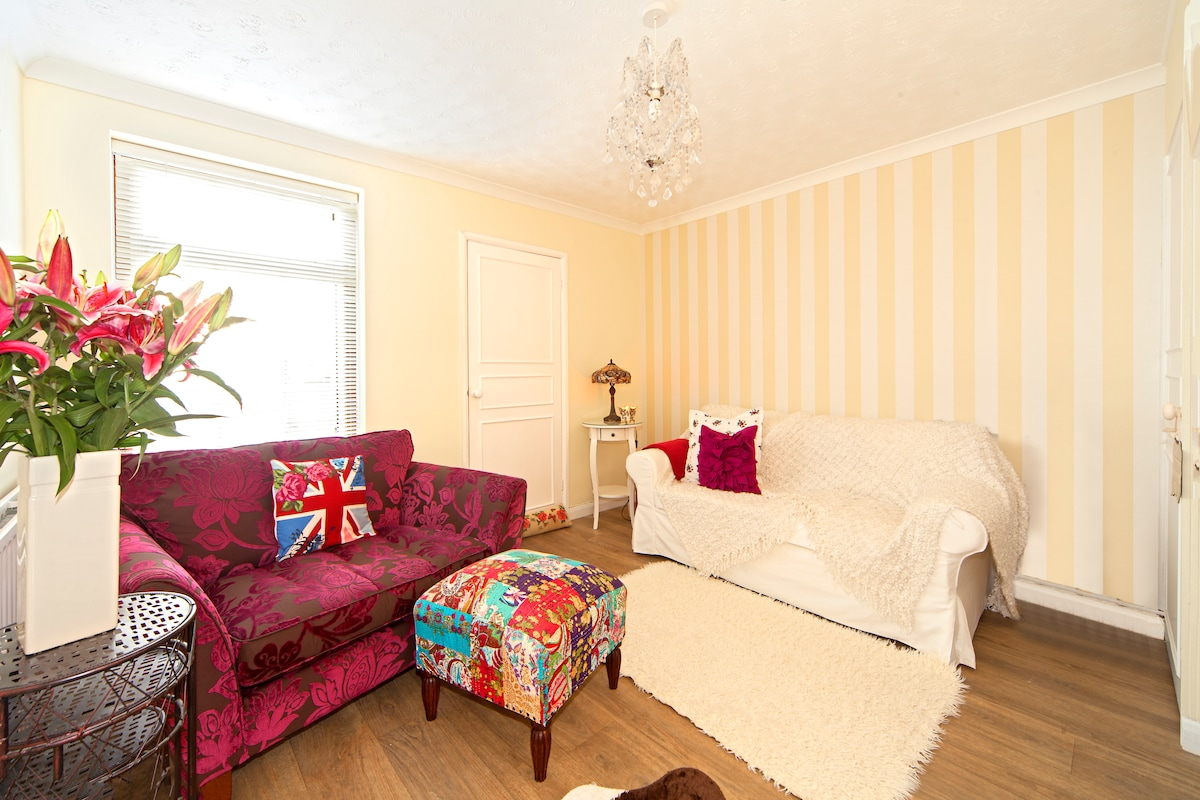 Victorian Build - Double Room Only
