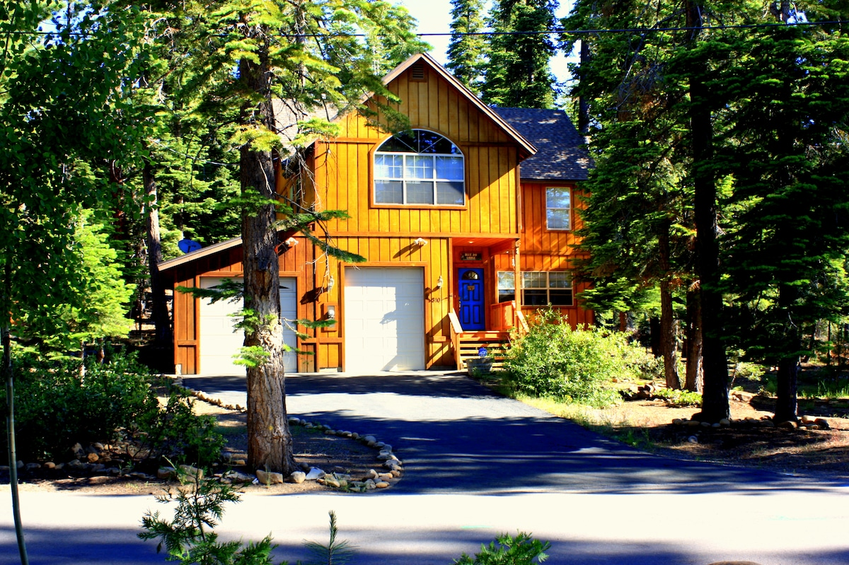 Blue Jay Lodge , Upscale, Beautiful  and Cozy * Lake Tahoe's Best