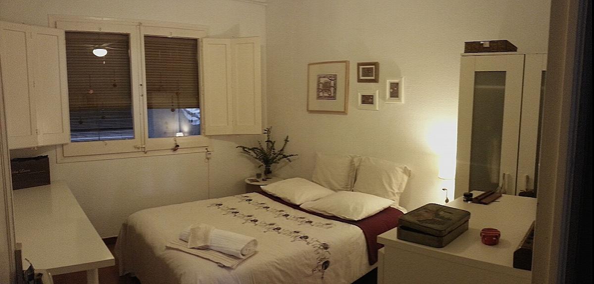 Cozy room at Sagrada Familia