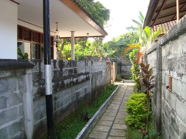 Private room in Large House Kuta(2)