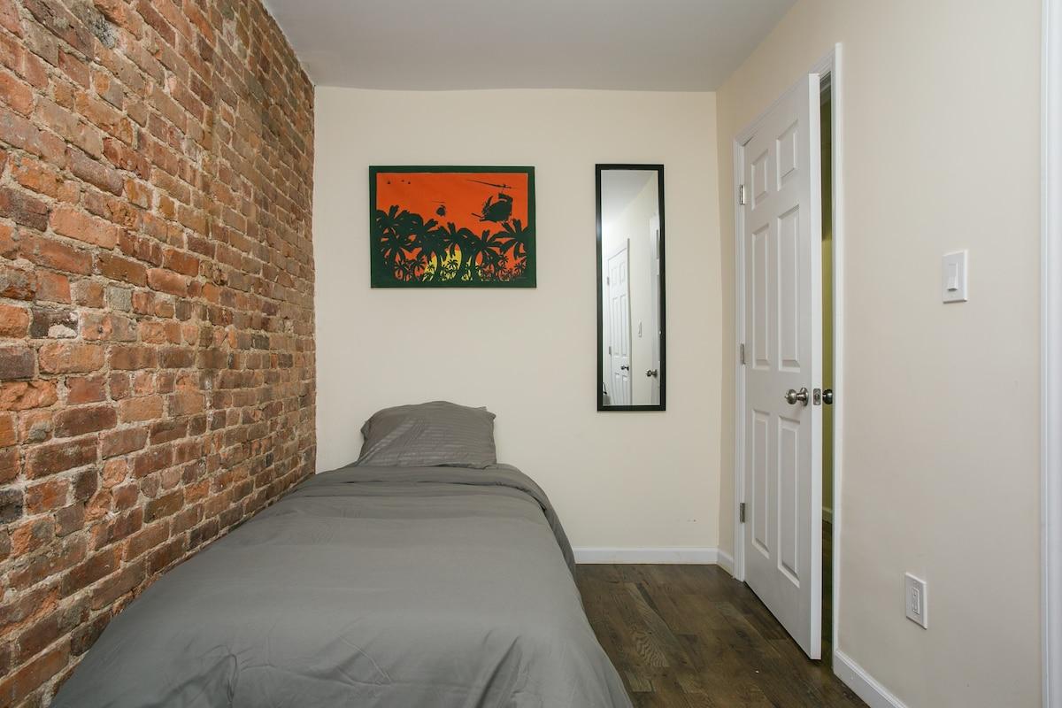 Single room, City in 15! Great spot