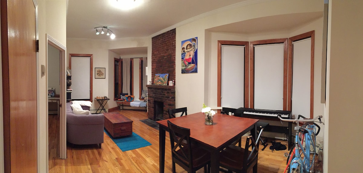 Bright, Big 2 bedroom in Park Slope