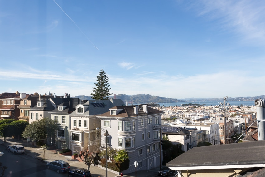 Gracious Cow Hollow with Views!