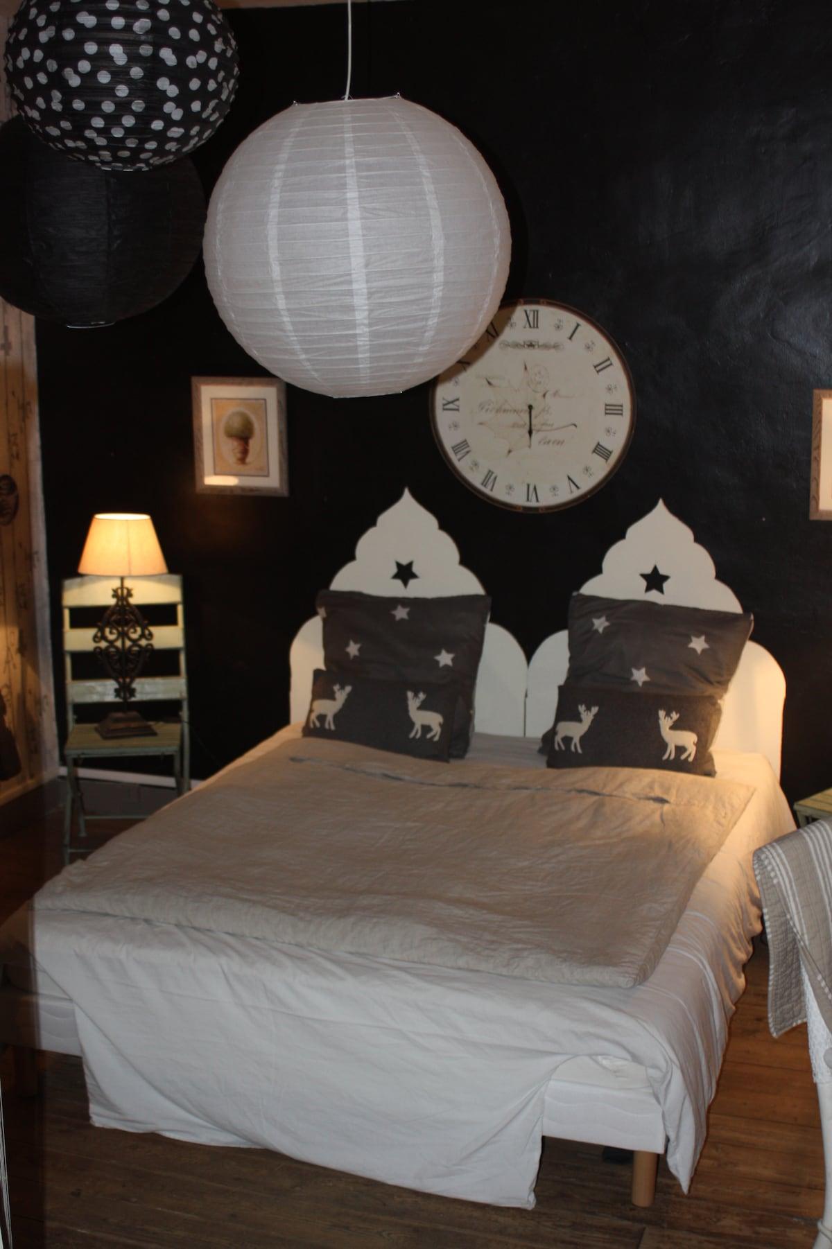 DOUBLE BEDROOM WITH BREAKFAST
