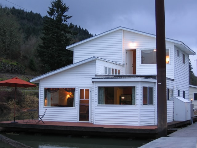Floating House! A River Surrounds!