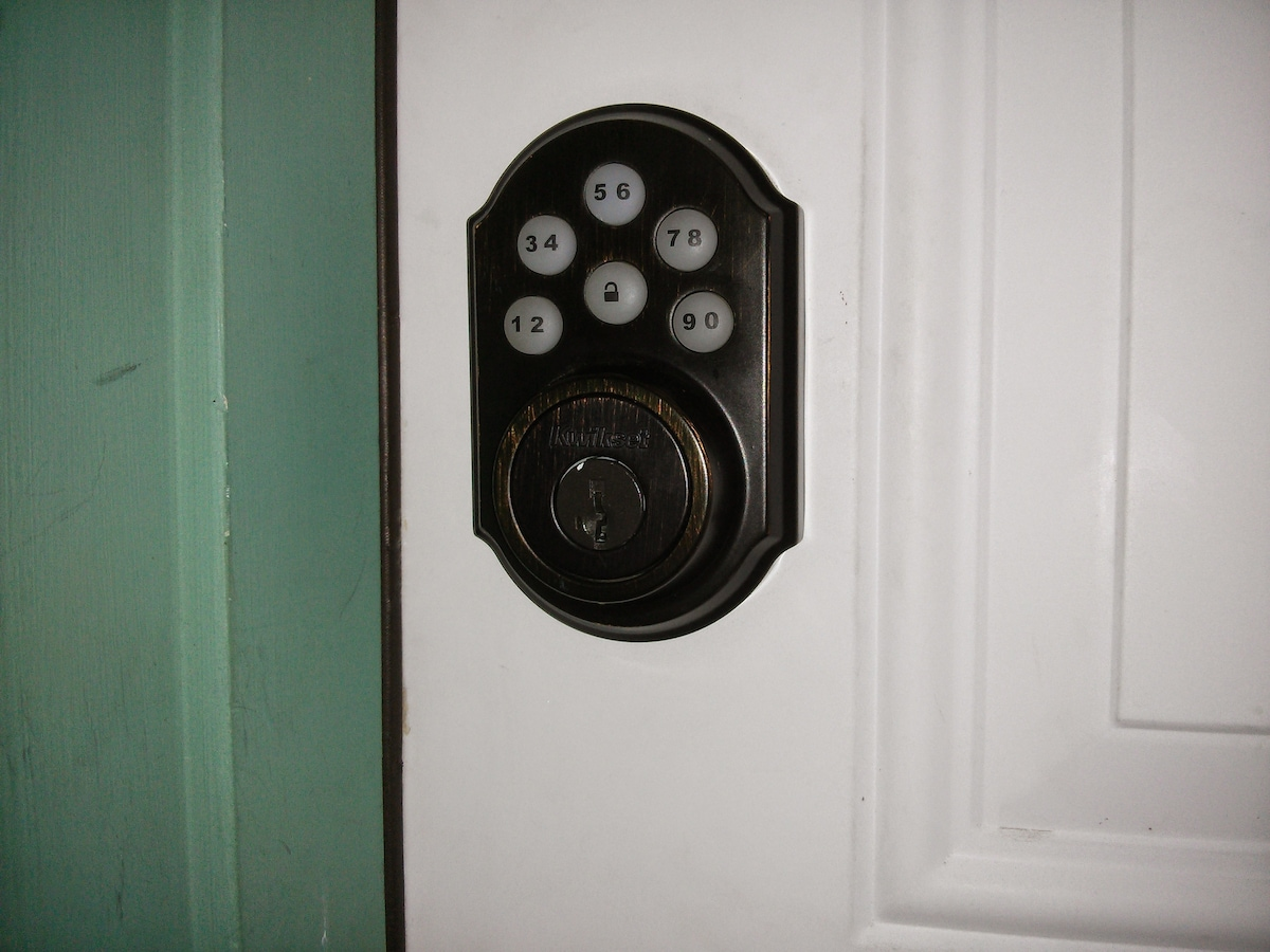 Keyless entry for easy check-in and out. I will send door code a week before you arrive.