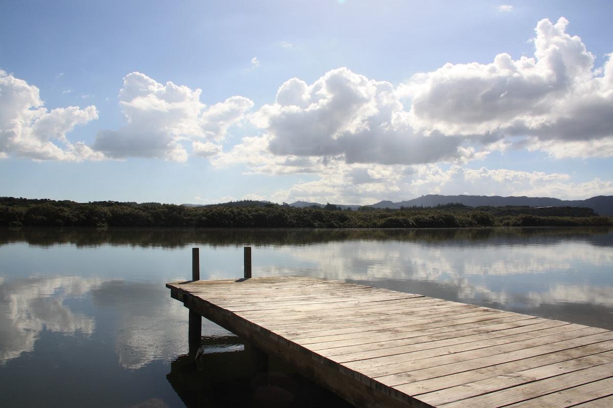 Beautiful Waterside Bach Mangawhai