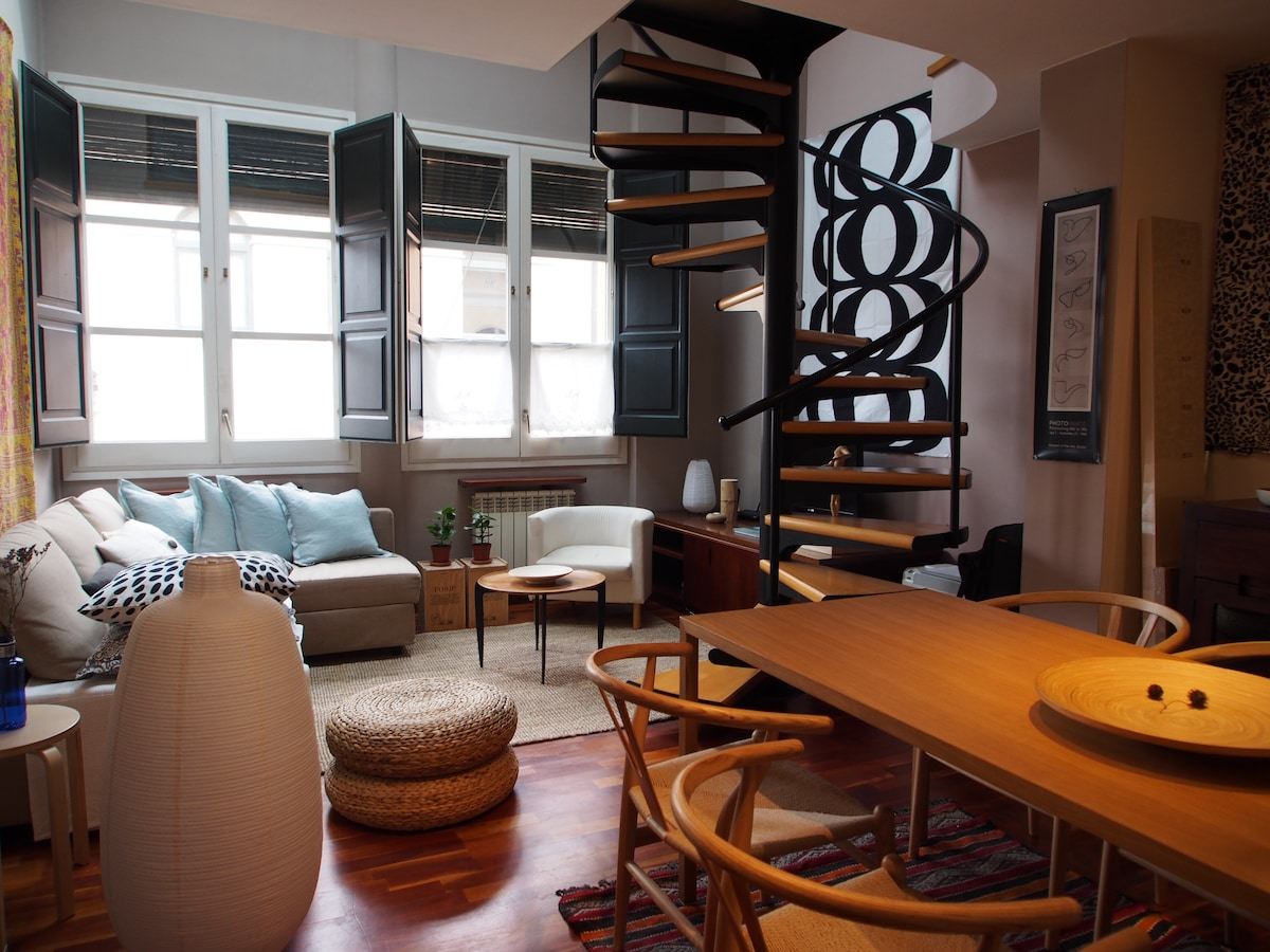 Cozy city apartment in Girona town