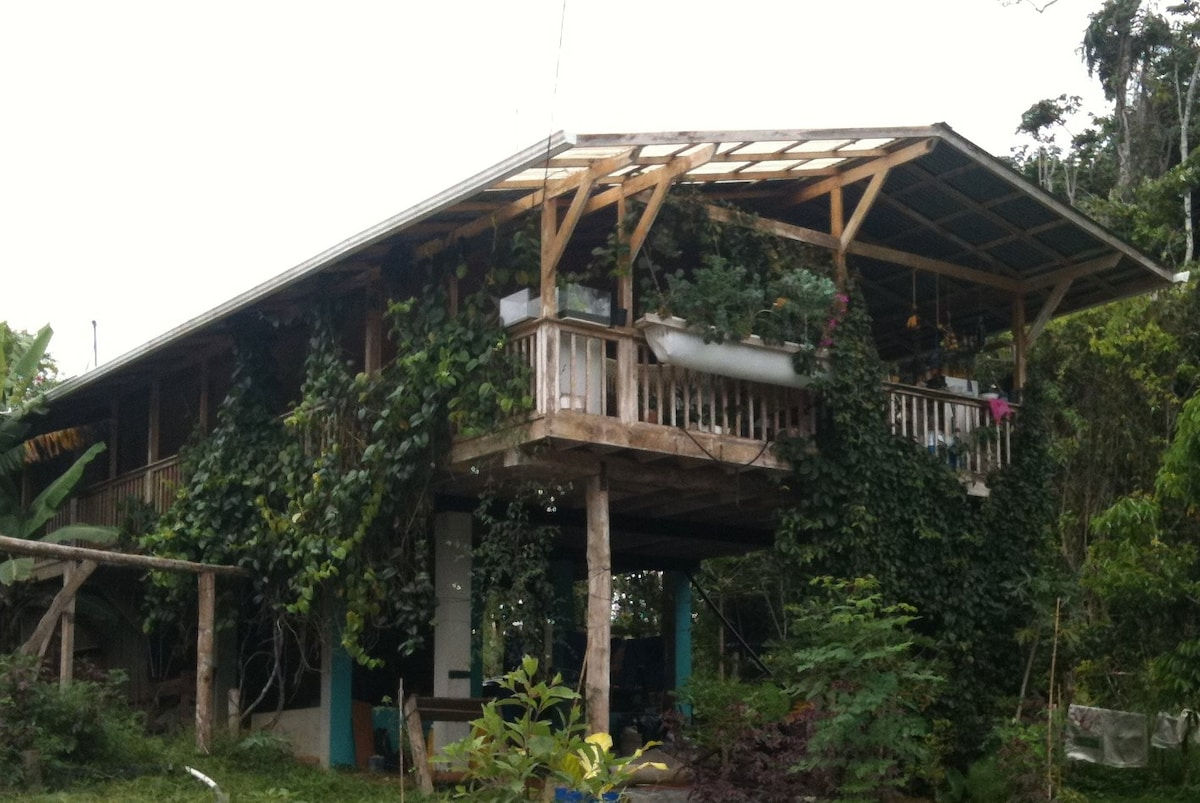 Sustainable FarmHouse in Costa Rica