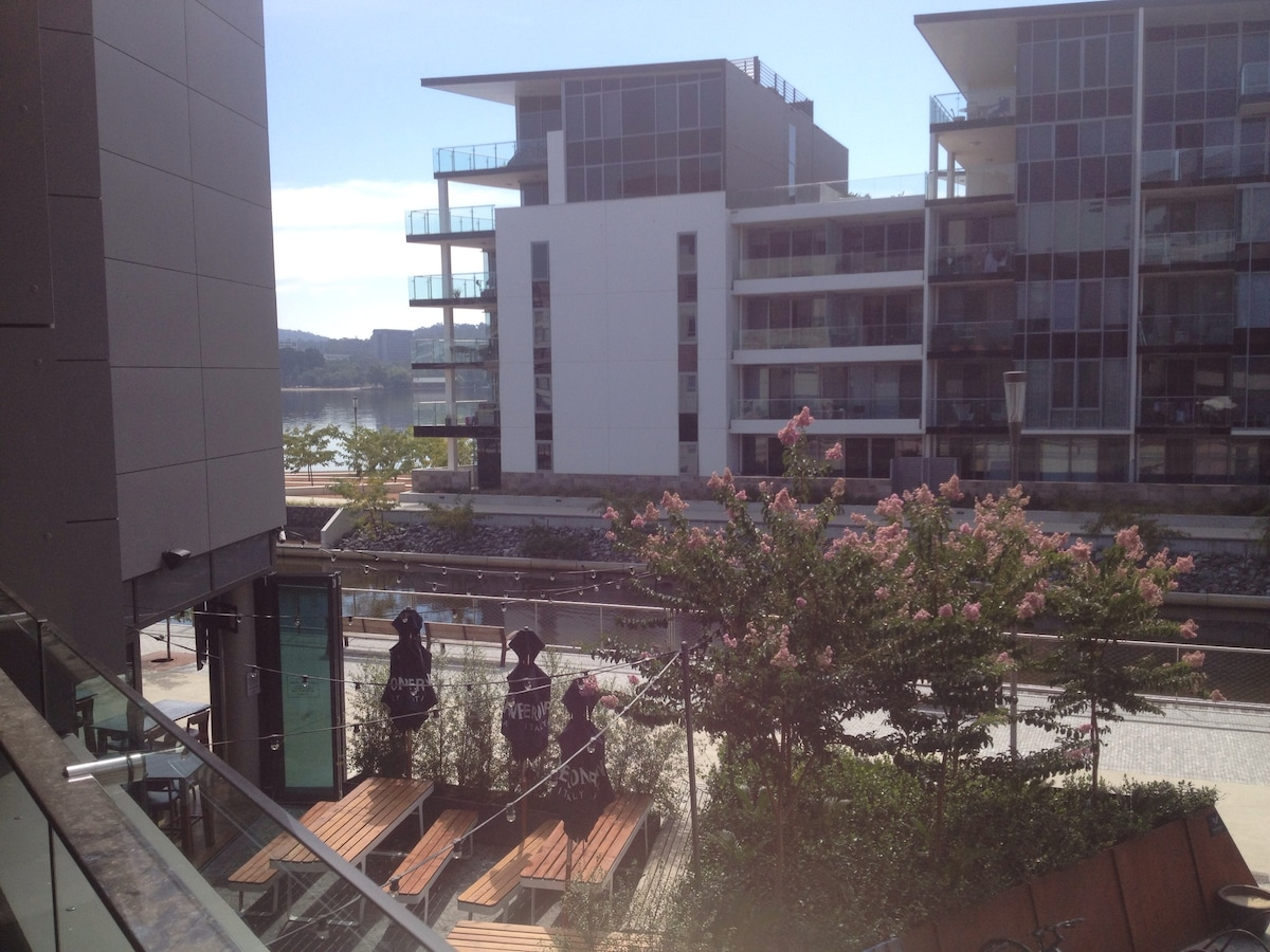 Waterfront Executive Apartment