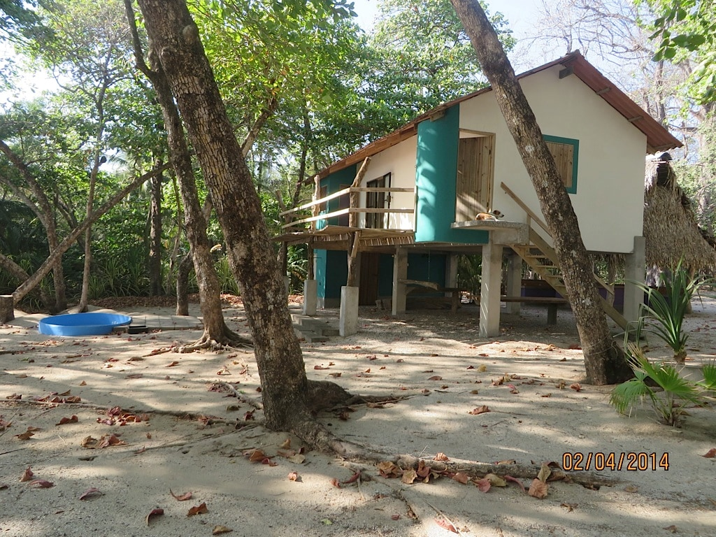 Dreamy Beachfront Cabin Sta Teresa
