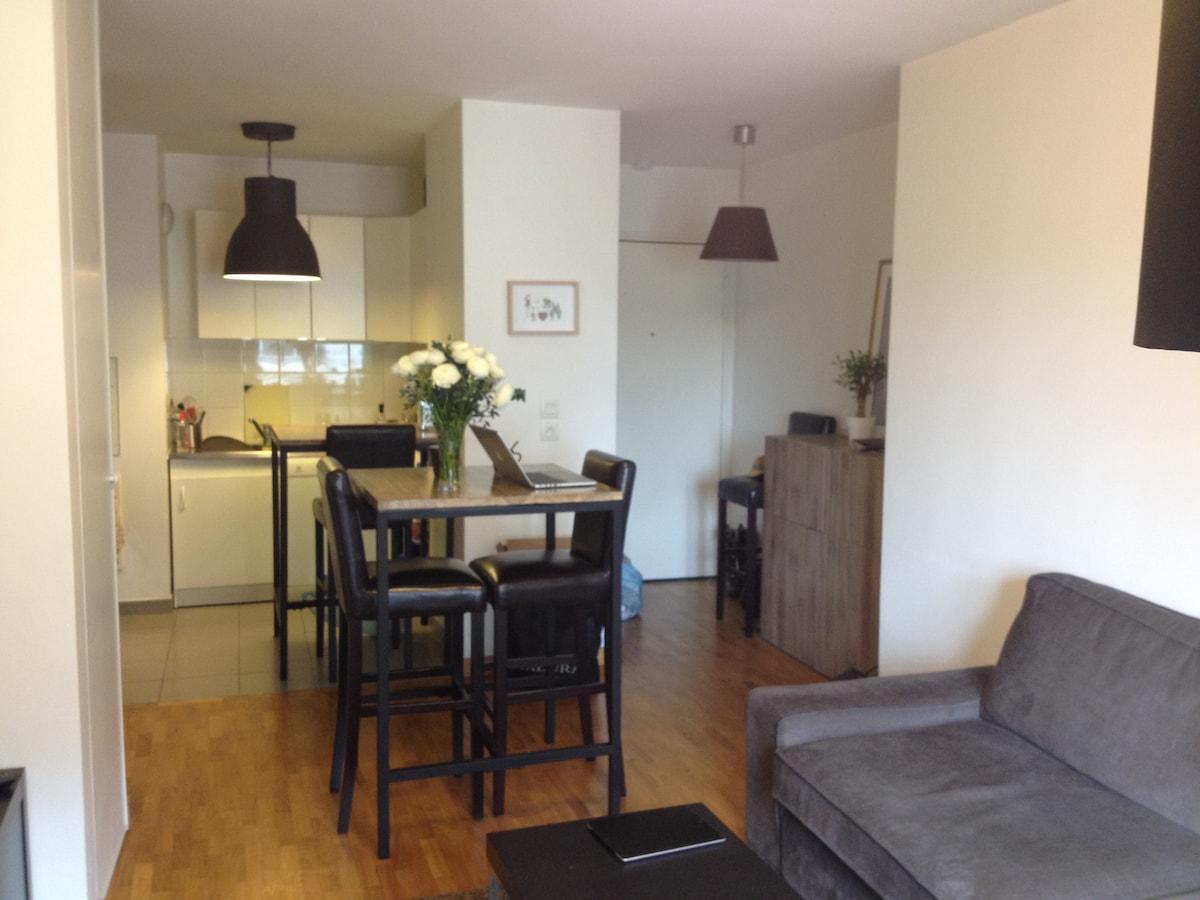 2 room flat In La Defense suburb