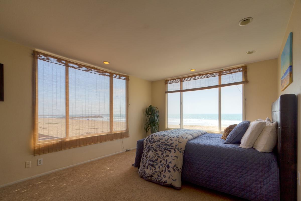 Beachfront Rooms w Beach Access