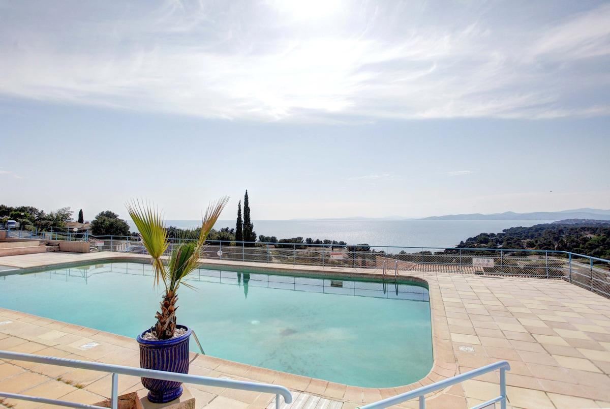 Duplex vue mer avec piscine