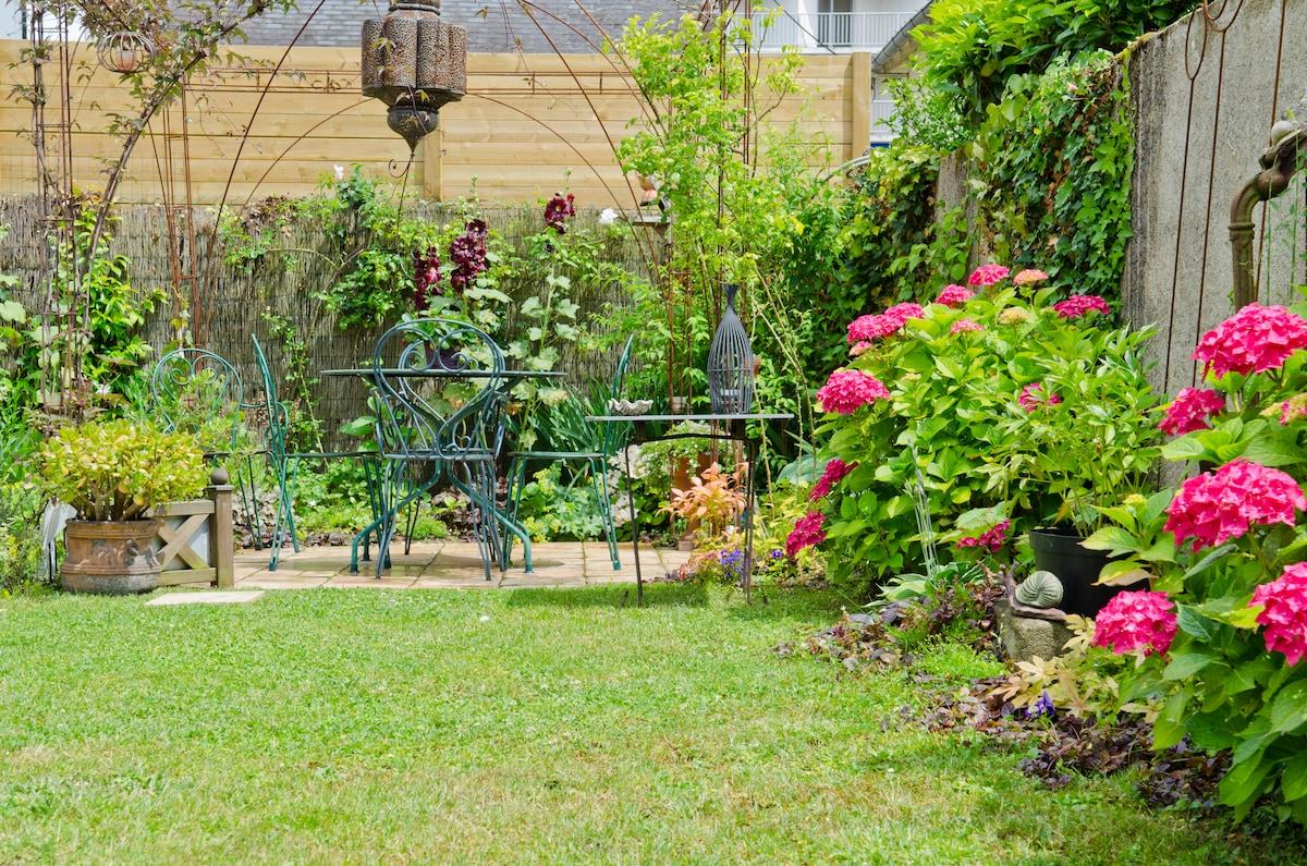 Un petit jardin romantique tours - Petit jardin culinary arts tours ...