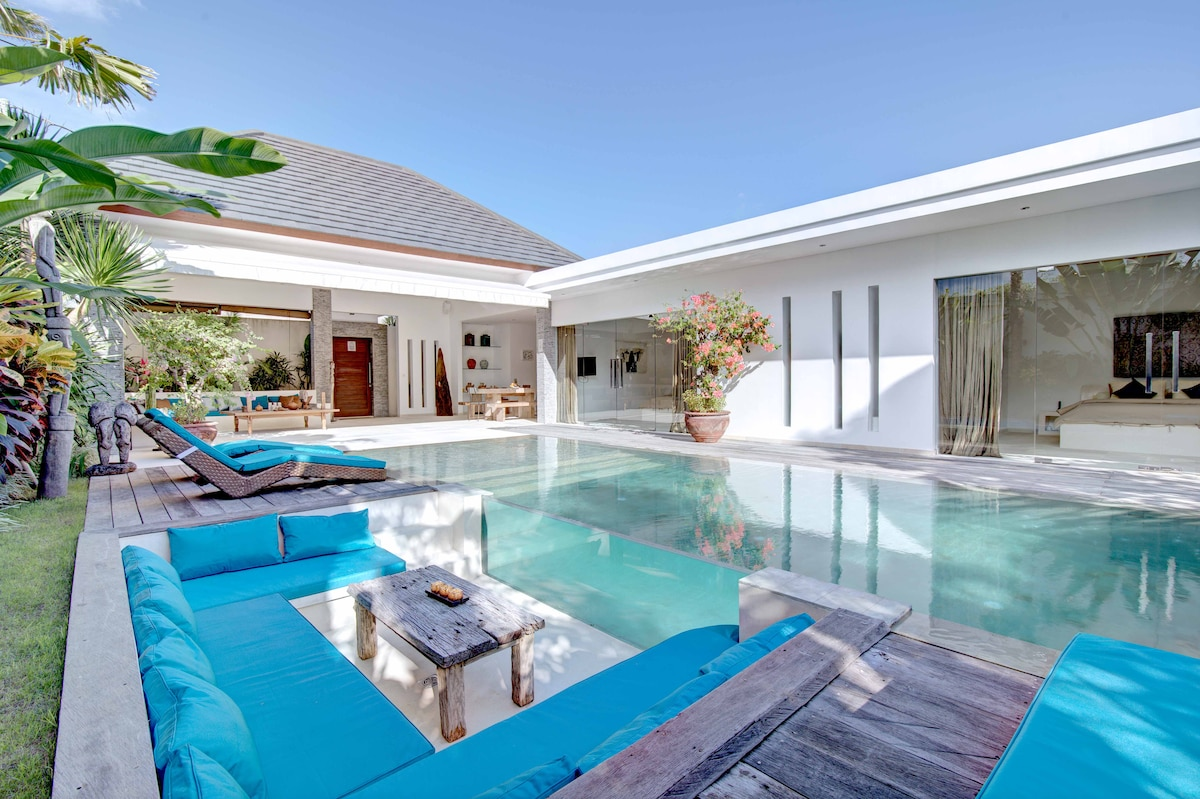 Luxurious 2 bedroom Villa with Pool