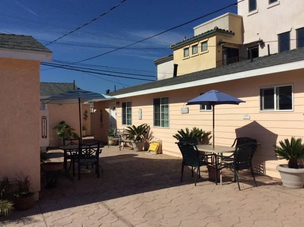 Beach cottage, Minutes from beach!
